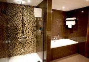 Suite-Bathroom-Clayton-Dublin-Airport